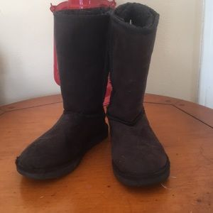 Other - Soft black boots with faux fur lining